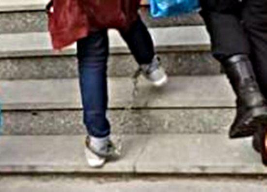Десислава Иванчева с белезници докато престъпници са на свобода!