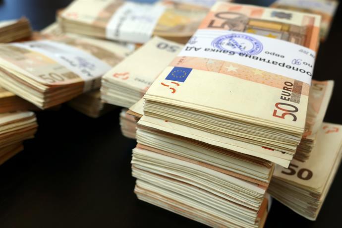 Може ли плащанията в брой в еврозоната да се облагат с данък?
